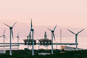 """Zielony exodus właścicieli """"czarnego złota"""". Chcą się kojarzyć z energią, a nie z ropą naftową"""