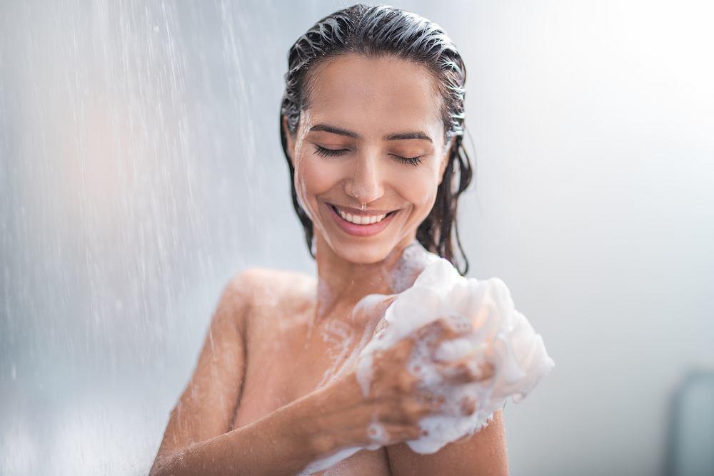 Płyn pod prysznic powinien działać delikatnie i nie naruszać naturalnej tarczy ochronnej skóry
