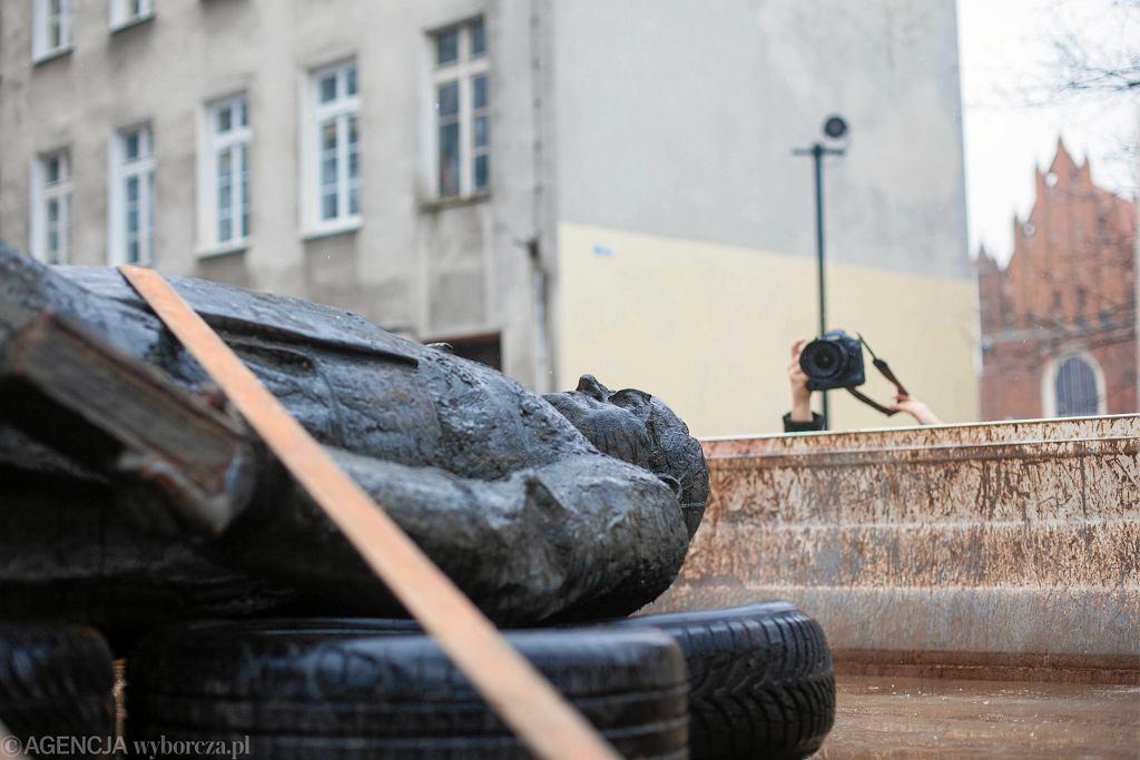 Pomnik księdza Henryka Jankowskiego w Gdańsku