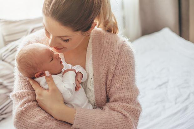 Kalkulator urlopu macierzyńskiego. Jaki jest wymiar urlopu przysługującego po porodzie?