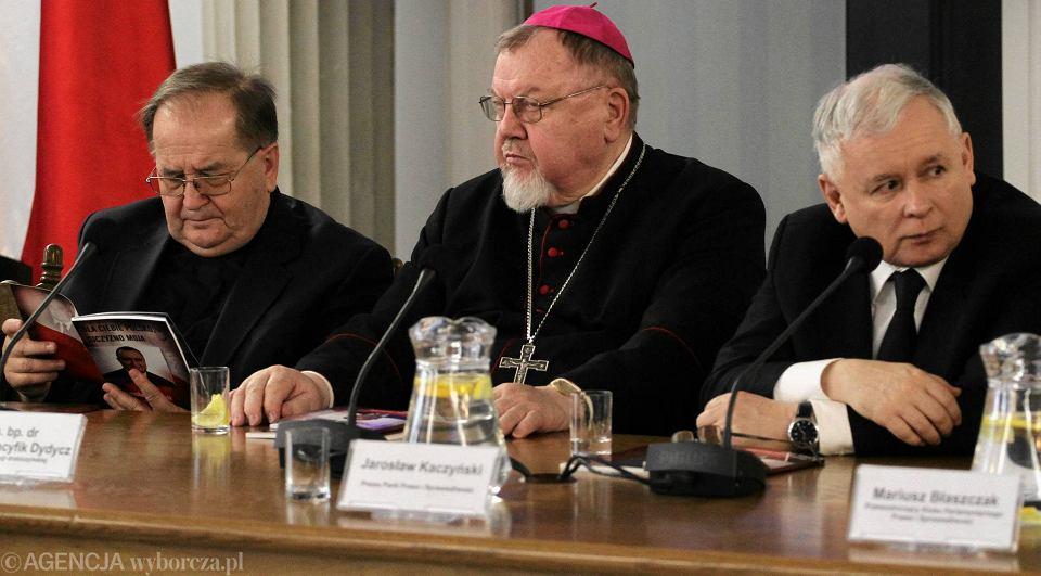 Sejm, marzec 2015 r. O. Tadeusz Rydzyk, bp Antoni Dydycz i Jarosław Kaczyński