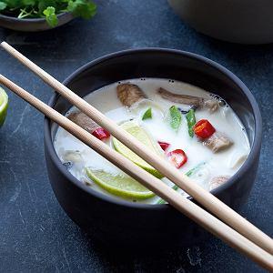 Wegańska zupa kokosowa z grzybami