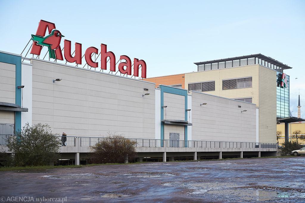 Niedziele handlowe. Godziny otwarcia sklepów Lidl, Auchan, Biedronka, Tesco