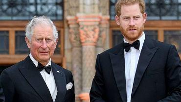 Książę Harry chciał wrócić do chorego ojca. Książę Karol powiedział wprost, co o tym myśli