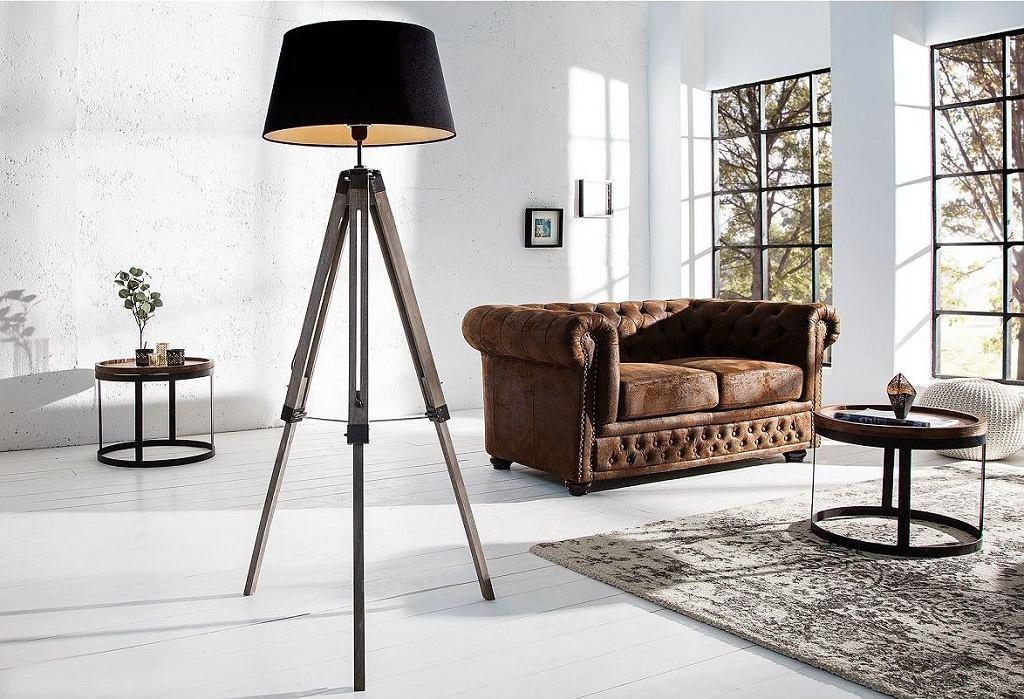 Modna lampa stojąca do salonu