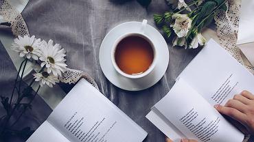 Czym słodzić herbatę,? Miodem, ksylitolem czy stewią?