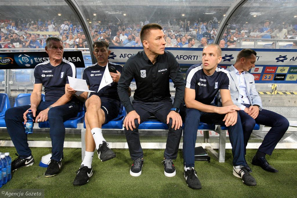 Trener Ivan Djurdjević podczas meczu Lech Poznań - KRC Genk