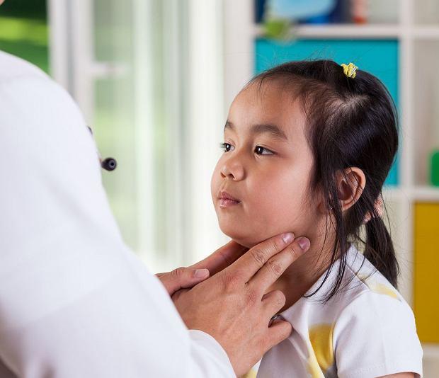 Świnka - objawy, leczenie, powikłania u dzieci i dorosłych