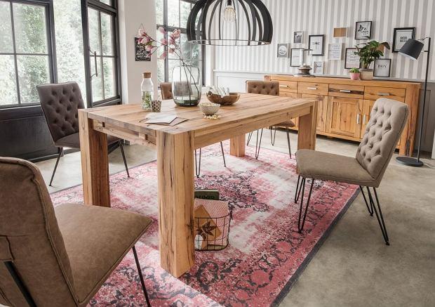 Komoda i stół z drewna dębowego