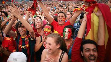 Finał Euro 2012 w strefie kibica w Warszawie. mecz Włochy - Hiszpania 0:4