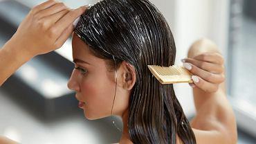Domowa maska na włosy z kisielu. Internetowy hit dla suchych i matowych włosów, który działa jak drogie kosmetyki [PRZEPIS]