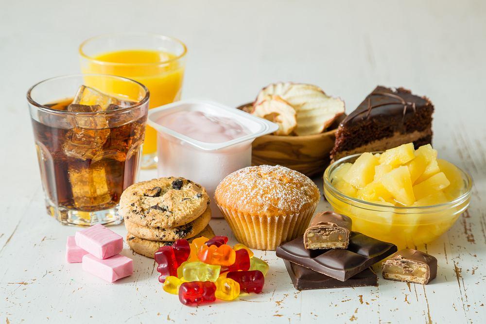 Dodatki do żywności to w większości przypadków substancje konserwujące, mające na celu zwiększenie trwałości produktów spożywczych i polepszacze smaku.