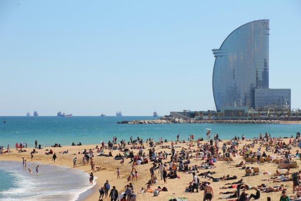 Plaża miejska w Bareclonie, fot. tkemot/shutterstock.com