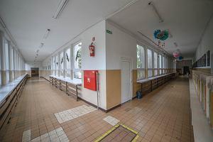 Szkoła w Tulcach. Katecheta objęty kwarantanną, ale nikt poza nim. Zaskakująca decyzja Sanepidu