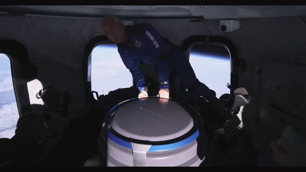 Załoga New Shepard podczas pobytu w przestrzeni kosmicznej