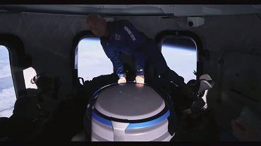 Jeff Bezos w kosmosie. Tak miliarder bawił się na pokładzie statku New Sheprad [WIDEO]