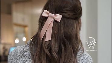Brązowe włosy jesień