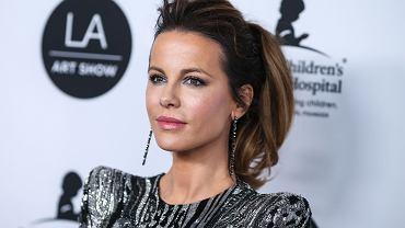 Kate Beckinsale broni Chrissy Teigen przed hejterami i otwarcie mówi o własnym poronieniu