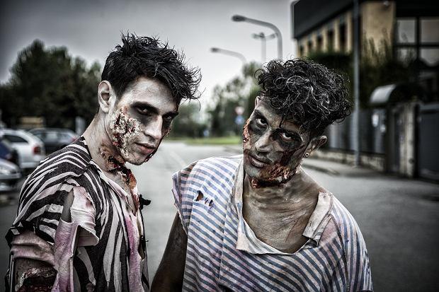 Przebranie na Halloween dla dorosłych - zombie. Zdjęcie ilustracyjne