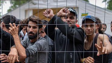 4.08.2021, migranci w obozie w Rudninkai na Litwie.