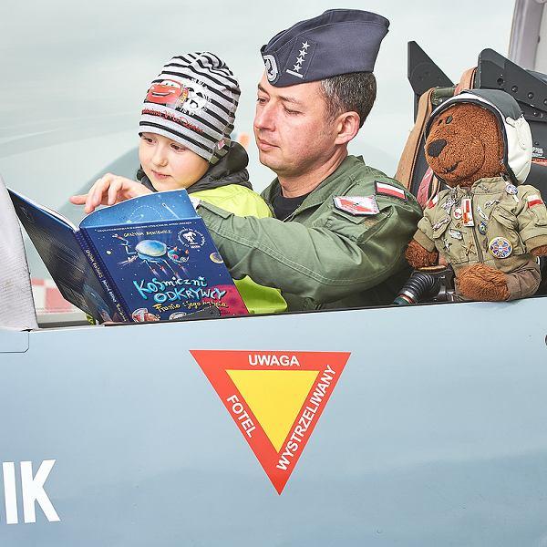 Piloci czytają!