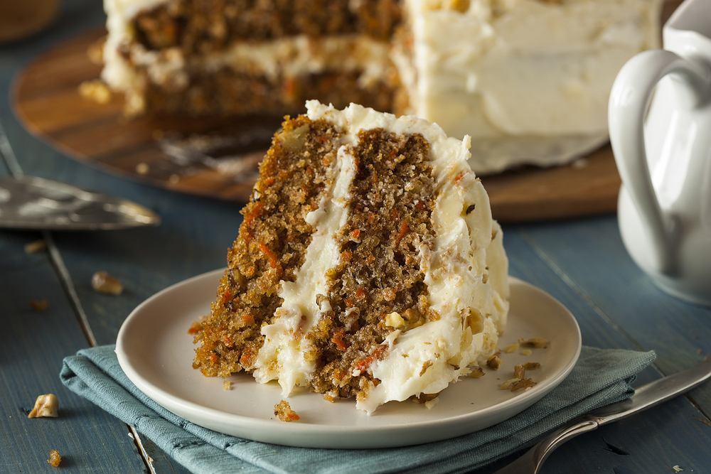 Ciasto marchewkowe - mokre, aromatyczne i słodkie - jest jednym z naszych ulubionych jesienno-zimowych przysmaków