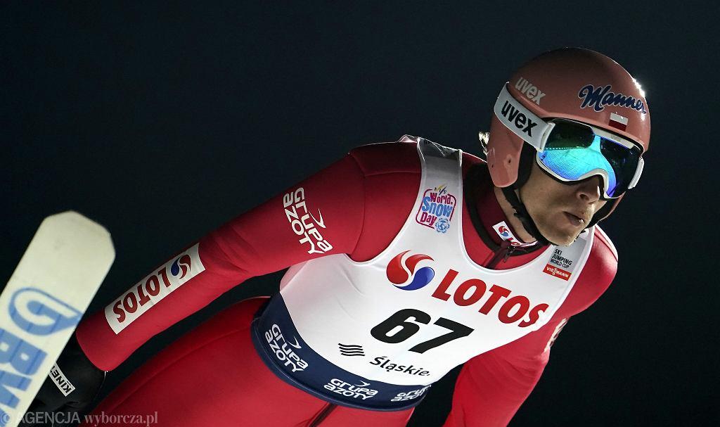 22.11.2019 Wisła . Dawid Kubacki podczas skoków narciarskich w ramach Pucharu Świata .