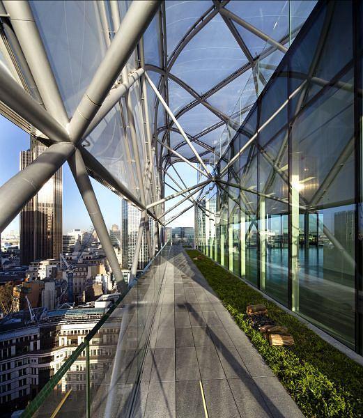 Skanska wydrukowała w technologii 3D osłony podparcia dla dachu, co podobno znacznie skróciło czas tworzenia całej konstrukcji dachowej.