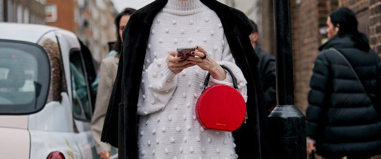 TOP ciepłe i kobiece swetry na święta! Model z wiązaniem na kokardkę jest bardzo stylowy
