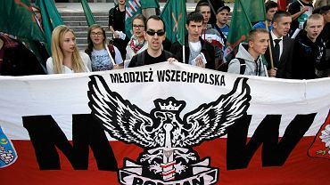 Demonstracja przeciwników imigrantów zorganizowana przez Młodzież Wszechpolską. Poznań, wrzesień 2015 r.