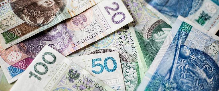 Kursy walut 22.10. Potężny spadek złotego [kurs dolara, funta, euro, franka]