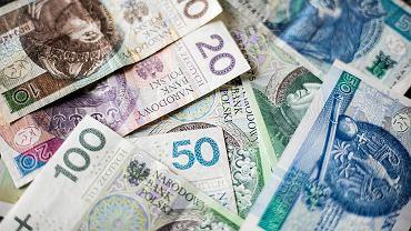 Kursy walut 14.10. Główne waluty tracą, wyjątkiem frank [kurs dolara, funta, euro, franka]
