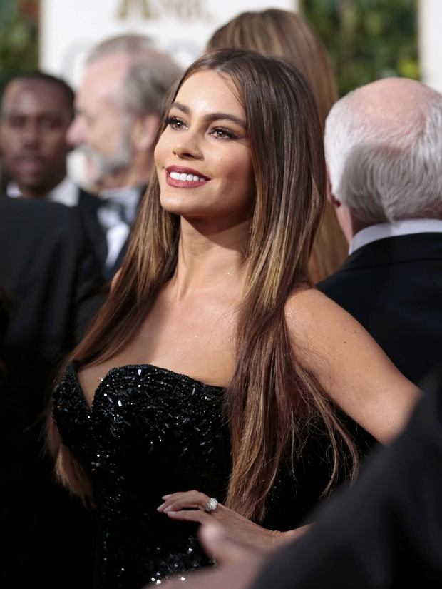 "Actress Sofia Vergara of the TV comedy ""Modern Family"" at the 70th annual Golden Globe Awards in Beverly Hills, California January 13, 2013. REUTERS/Jason Redmond (UNITED STATES - Tags: Entertainment) (GOLDENGLOBES-ARRIVALS)"