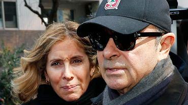 Japonia wydała nakaz aresztowania Carole Ghosna. To żona byłego szefa Renault Carlosa Ghosna, który w stylu film z Hollywood uciekł z Japonii przed procesem o malwersacje w koncernie Nissan. Na zdjęciu: małżonkowie w Tokio, marzec, 2019