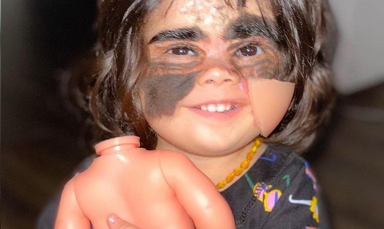 Dziewczynka nazywana 'batmanką'