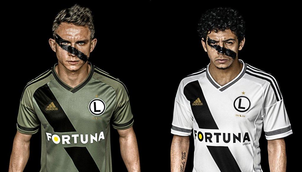 Jakub Rzeźniczak i Guilherme prezentują nowe koszulki Legii