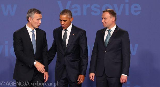 Sekretarz generalny NATO Jens Stoltenberg, prezydent USA Barack Obama i prezydent RP Andrzej Duda podczas pierwszego dnia szczytu Sojuszu w Warszawie. Stadion Narodowy, 8 lipca 2016 r.