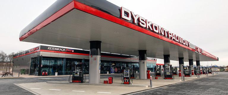 Dyskont Paliwowy w Zgorzelcu to największa stacja paliwowa w Polsce. Ma aż 22 stanowiska do tankowania