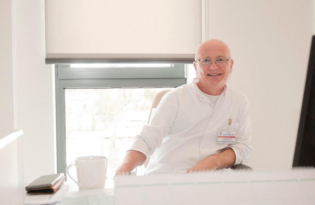 Robert Mielcarek, koordynator oddziału anestezjologii i intensywnej terapii oraz kierownik zespołu ds. walki z COVID-19 w Wojewódzkim Szpitalu Zespolonym w Toruniu