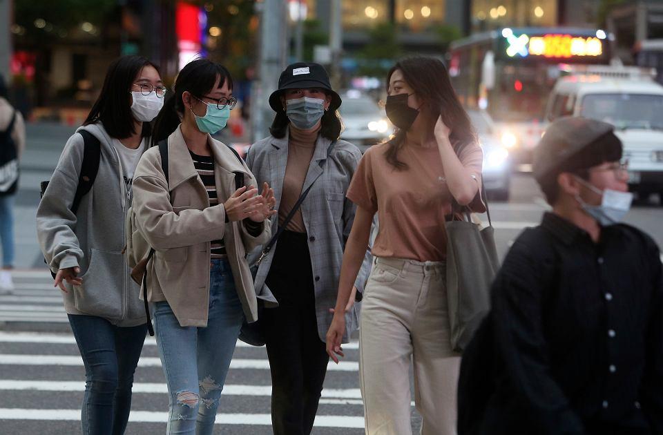 Na Tajwanie mieszkańcy mogą kupić tylko trzy maski tygodniowo