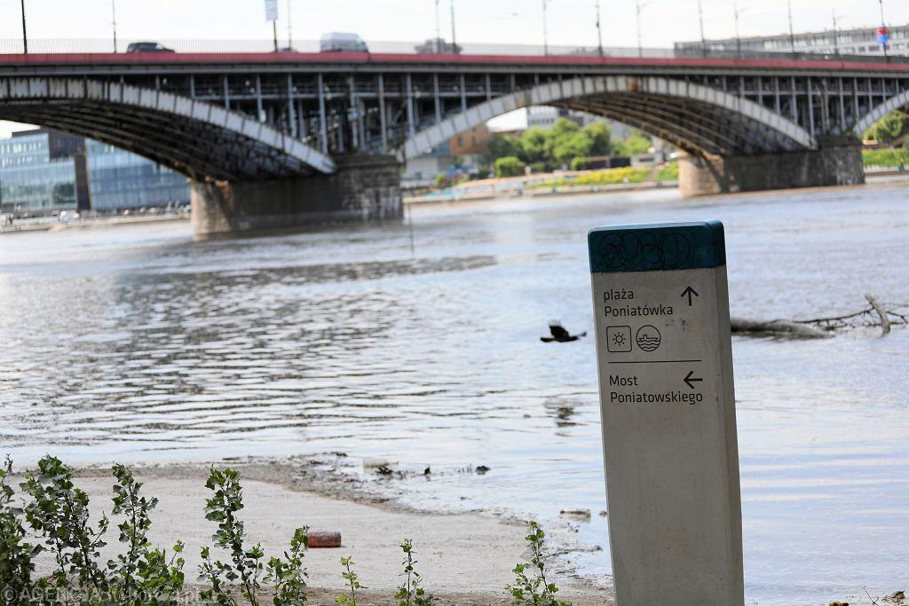 Wysoki poziom wody na Wisle w Warszawie