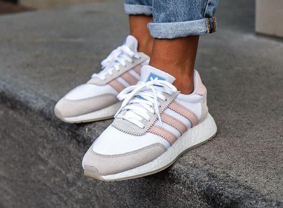 nowe style dobra sprzedaż nowa wysoka jakość Kultowe modele butów Adidas w promocyjnych cenach. Rabaty aż ...