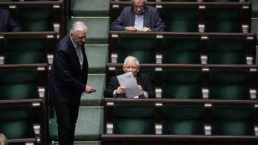 Piaty dzien 9 . posiedzenia Sejmu IX kadencji podczas epidemii koronawirusa. Jarosław Gowin i Jarosław Kaczyński