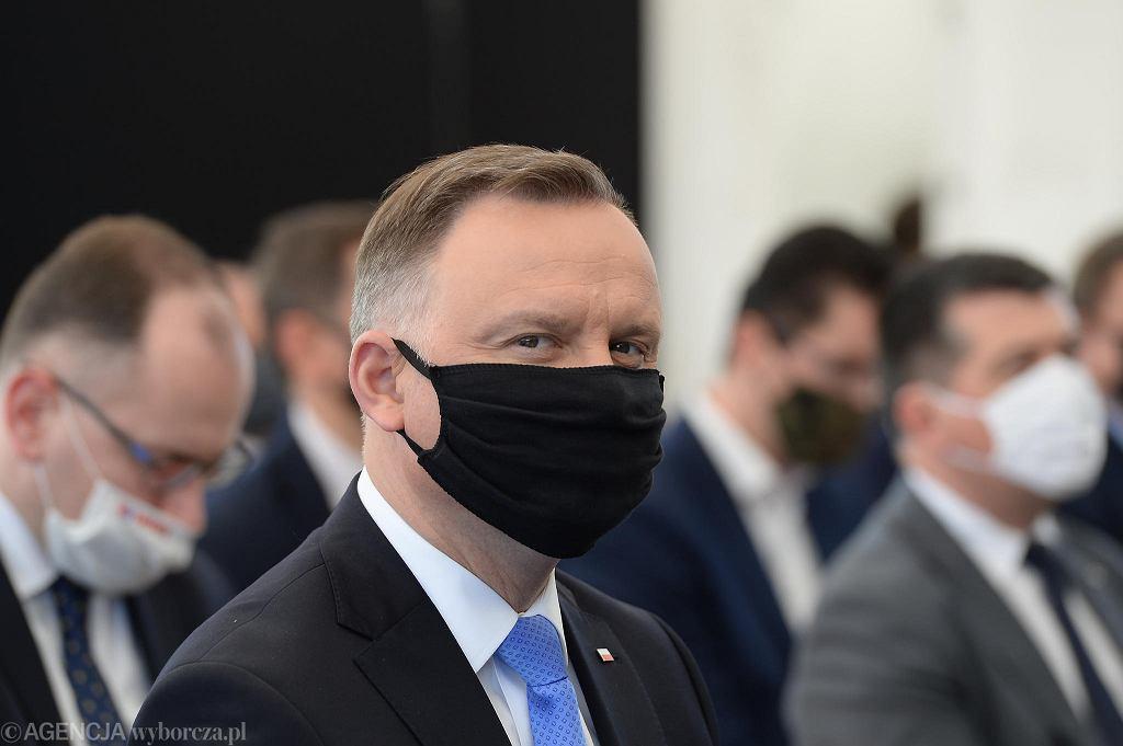 Andrzej Duda podczas wizyty na placu budowy fabryki polimerów w Policach