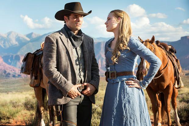 'Westworld': James Mardsen (kowboj Teddy) i Evan Rachel Wood (piękna panna Dolores)