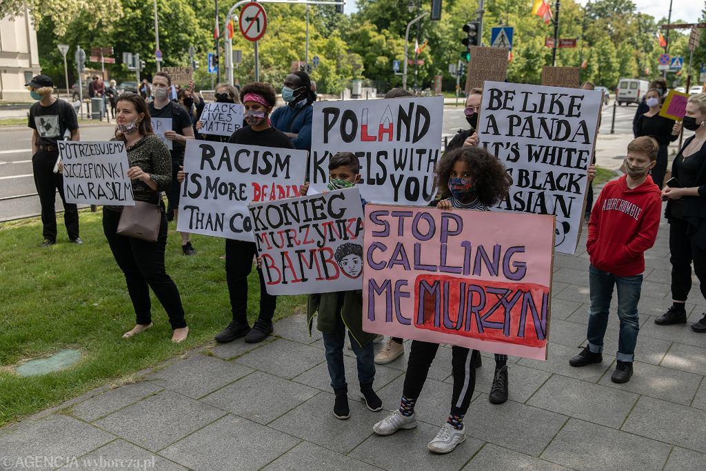 9Protest pod Ambasada USA po morderstwie Georgea Floyda .