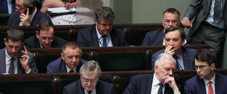 Nieoficjalnie: Politycy PiS twierdzą, że Banaś dogadał się ze Ziobrą