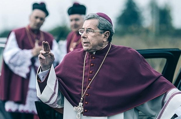 Janusz Gajos w filmie 'Kler'