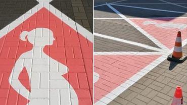 Miejsca parkingowe dla kobiet w ciąży przed urzędem dzielnicy na Ursynowie