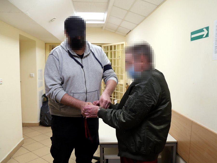 Dwaj mieszkańcy podwarszawskich Ząbek odpowiedzą za wyłudzenie 1,4 mln zł z tarczy antykryzysowej